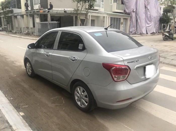 Cần bán xem Hyundai I10 bản 1,2 sedan 2016 số sàn màu bạc 5