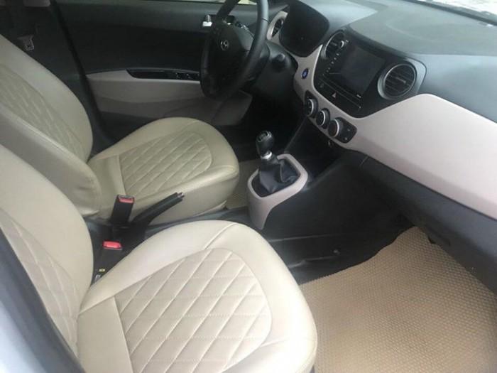 Cần bán xem Hyundai I10 bản 1,2 sedan 2016 số sàn màu bạc 3