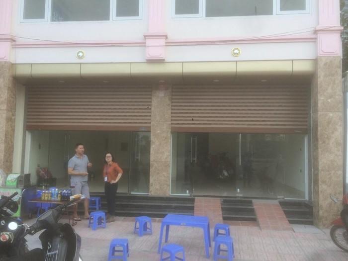 Cần cho thuê mặt bằng-cửa hàng 130m Long Biên