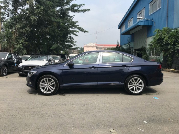 BÁN XE VOLKSWAGEN PASSAT Bluemotion GIAO NGAY 8