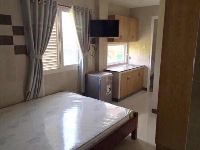 Khách sạn mini Lê Văn Sỹ, 100m2, 20 phòng