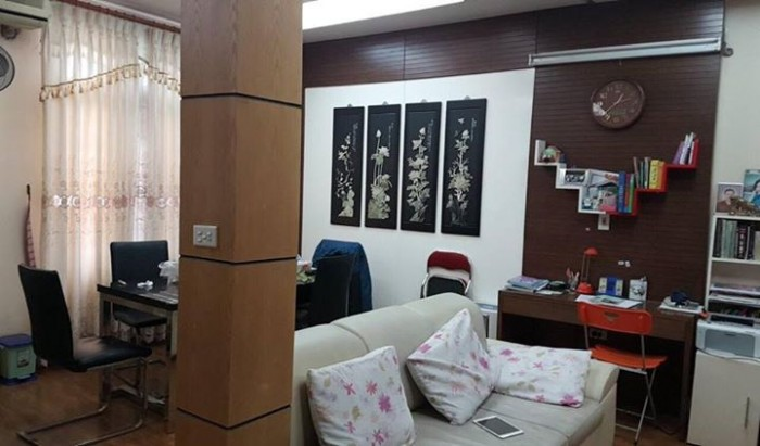 Bán nhà đẹp 5 tầng ngõ 160 Lạc Long Quân, Tây Hồ.