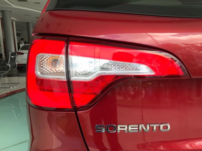 Xe Ô Tô Sorento hiện tại có 3 phiên bản và đủ 8 màu, có xe ngay 7