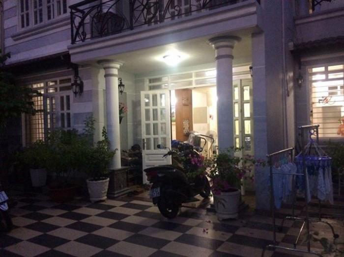Cho thuê nhà nguyên căn Nguyễn Phúc Nguyên, Q.3, DT: 3x10m, 2 lầu, giá: 25 tr/tg