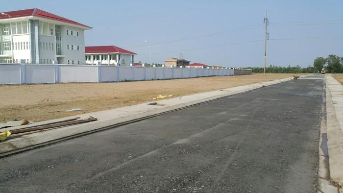 Cần tiền bán gấp 3 nền đất thổ cư 390 triệu ngay chợ Cần Đước.