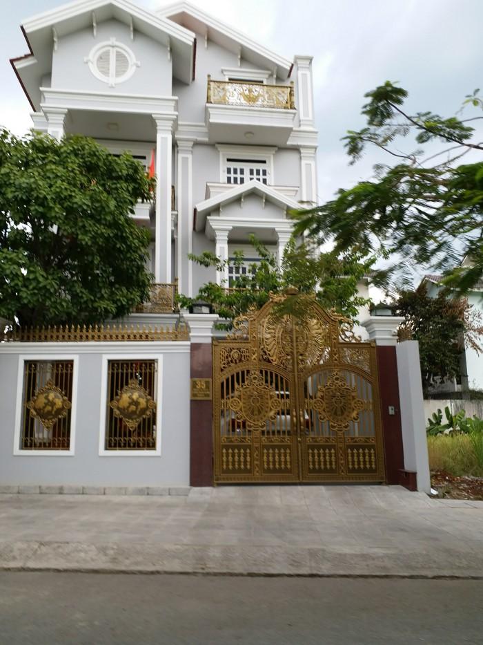 Nhà Phố 3 Tấm 148m2 hai mặt tiền Quốc Hương Sổ Hồng Riêng Bán