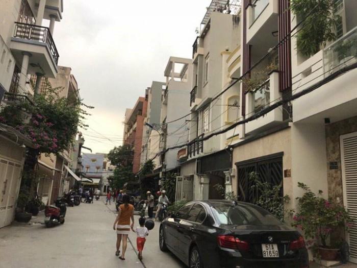 Bán nhà MT Huỳnh Mẫn Đạt, Q.5, DT: 3x19.5m, 3 lầu