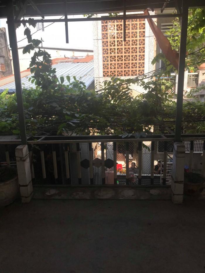 Cần bán nhà tọa lạc tại trung tâm thành phố