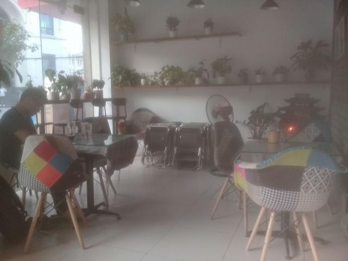 Sang nhượng quán cà phê Đẹp & sang trọng DT 50 m2 với 3 mặt tiền Q.Hà Đông Hà Nội
