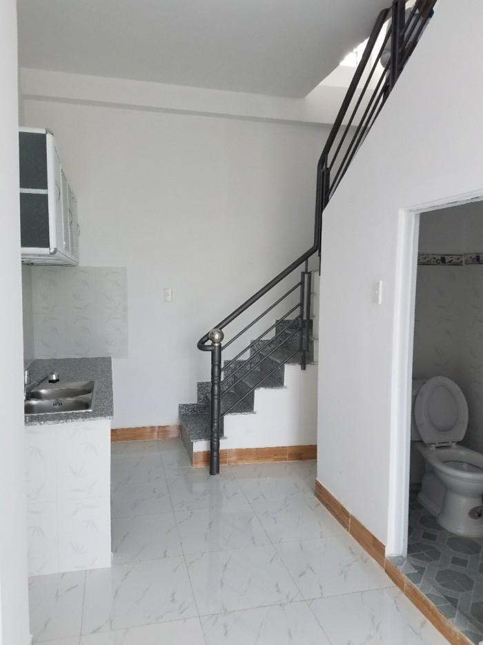 Bán nhà ngay cầu Phú Long, đúc 1 trệt 1 lầu, DTSD gần 50m2, sổ hồng đường 7m, Giá chỉ 849 triệu