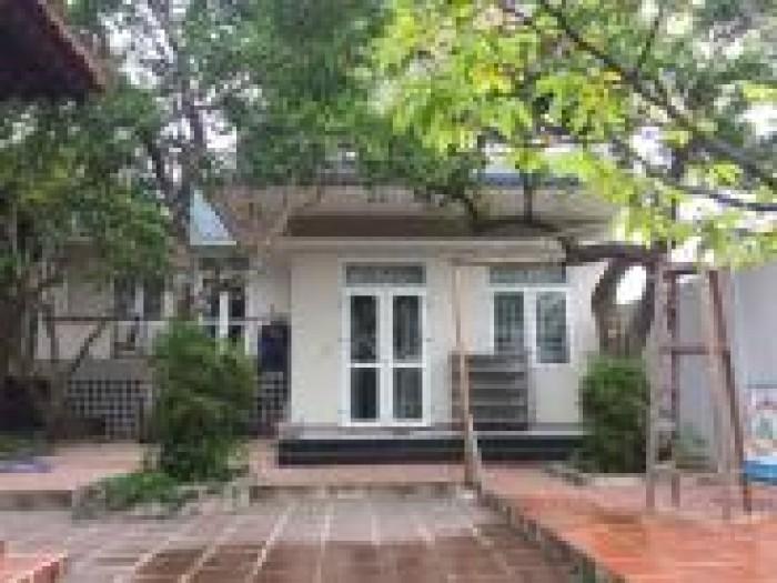 Cần bán căn nhà biệt thự 5 tầng gần biển Phạm Văn Đồng, giá đầu tư tốt.