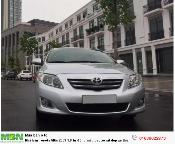 Nhà bán Toyota Altis 2009 1.8 tự động màu bạc xe rất đẹp xe thích nhé.