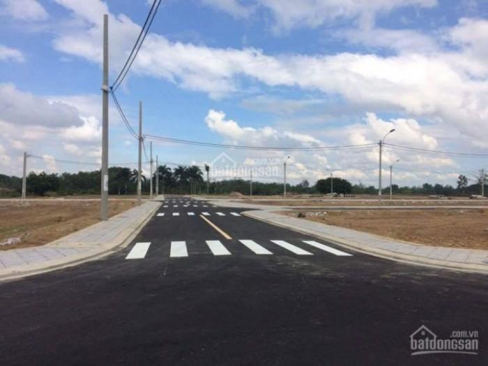 Gia đình mới mua nhà ở Q3 nên cần bán gấp lô đất giá chỉ 1 tỷ 400tr/76m2 phường Long Phước
