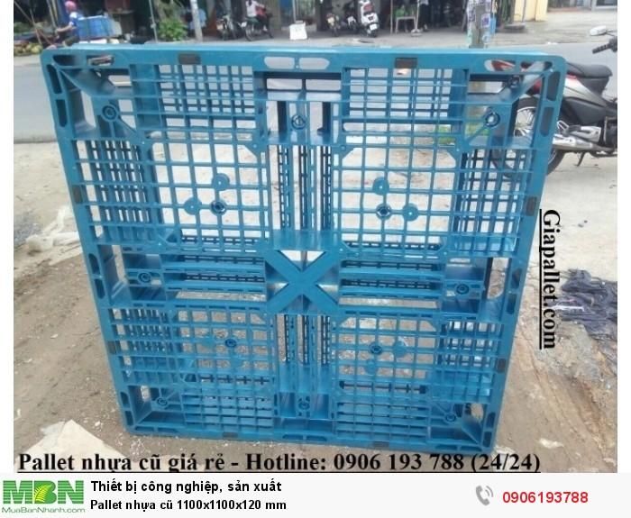 Pallet nhựa cũ 1100x1100x120 mm - Hình thật của sản phẩm, khách hàng yên tâm.