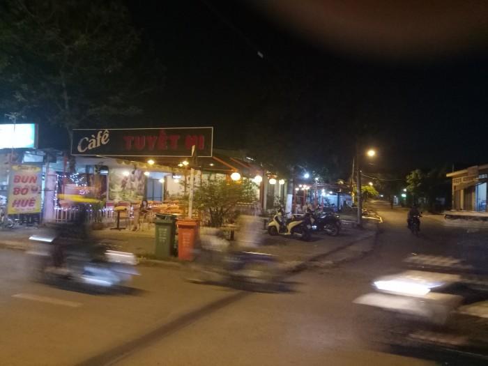 Sang quán Cafe ngay ngã ba