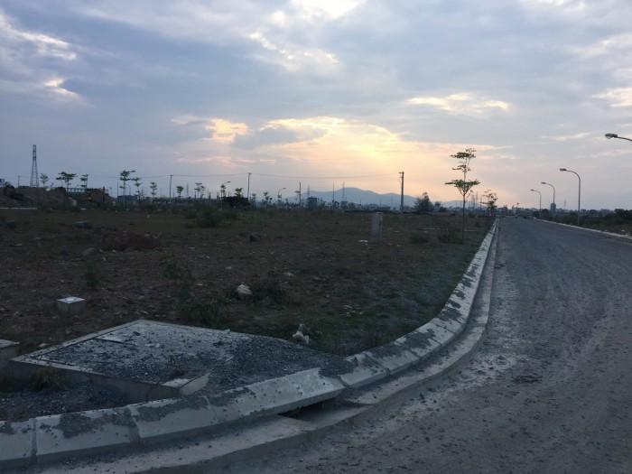 Bán lô biệt thự điện âm ven sông khu đô thị Hòa Quý cực đẹp, hỗ trợ vay vốn đến 60%