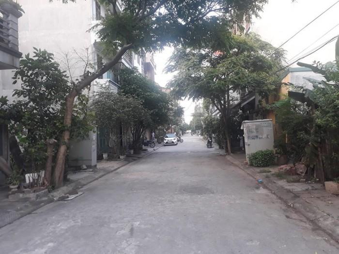 Bán 79m2 đất Xóm Lò Thanh Am Vuông đẹp, đường rộng ô tô tránh nhau