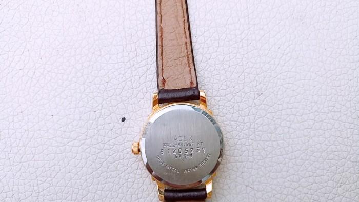 Đồng hồ quartz Nữ Adec .3