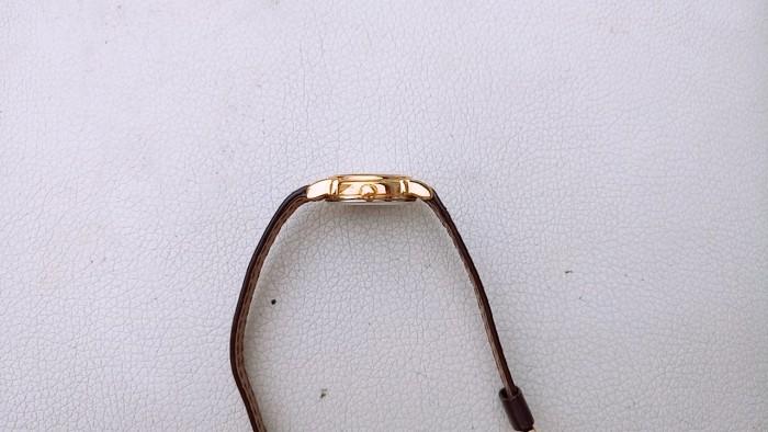 Đồng hồ quartz Nữ Adec .2