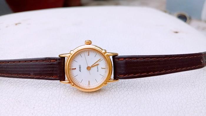Đồng hồ quartz Nữ Adec .0