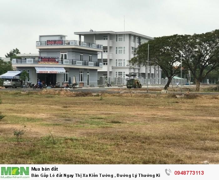 Bán Gấp Lô đất Ngay Thị Xa Kiến Tường , Đường Lý Thường Kiệt  6tr/m2