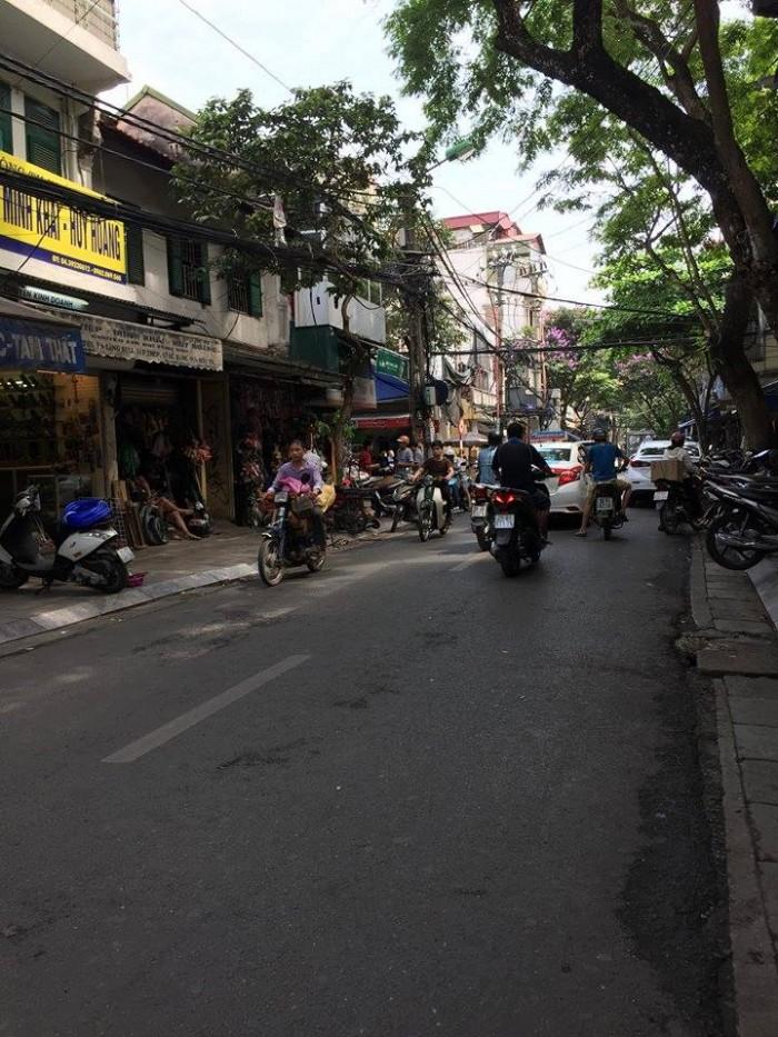 Cần bán nhà mặt phố Ngô Thì Nhậm Dt90m2x6T,thang máy,Mt4m,giá 40 tỷ