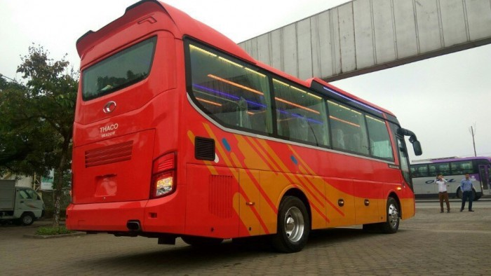 Chuyên bán Xe khách THACO UNIVERSE TB120S (45 chỗ) mẫu mới