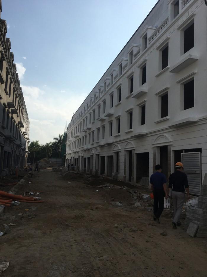 Bán liền kề KĐT Văn Phú, Hà Đông (72.9m2,4T)  hoàn thiện 2 mặt thoáng, oto đỗ cửa, đường 10m.