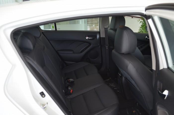 Xe Kia Cerato giá chỉ từ 499 triệu,đời 2018, hỗ trợ vay trả góp mức tối đa, tặng gói phụ kiện giá trị 3