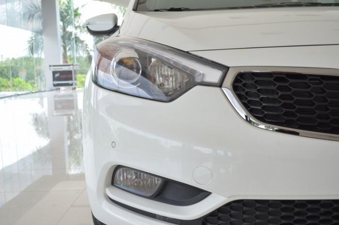 Xe Kia Cerato giá chỉ từ 499 triệu,đời 2018, hỗ trợ vay trả góp mức tối đa, tặng gói phụ kiện giá trị 2