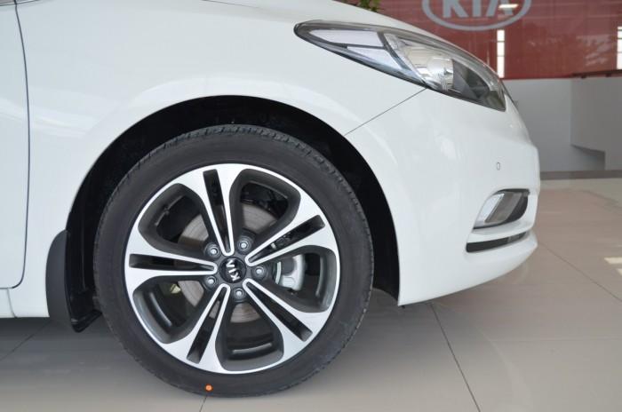 Xe Kia Cerato giá chỉ từ 499 triệu,đời 2018, hỗ trợ vay trả góp mức tối đa, tặng gói phụ kiện giá trị 1