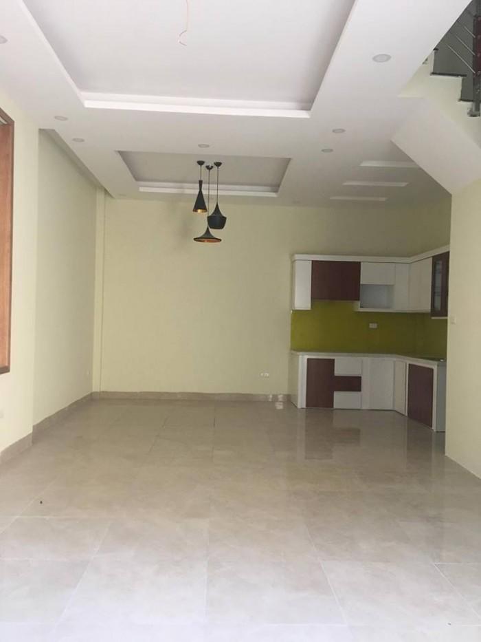 Chính chủ bán nhà 5 tầng xây mới ngõ 254 Mỹ Đình DT 42m2 Ô tô vào nhà.