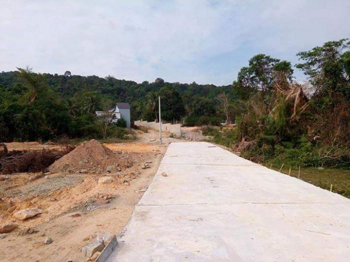 Một nền duy nhất đường DT 45, chỉ 800tr ,dt 29 m2, có SHR.