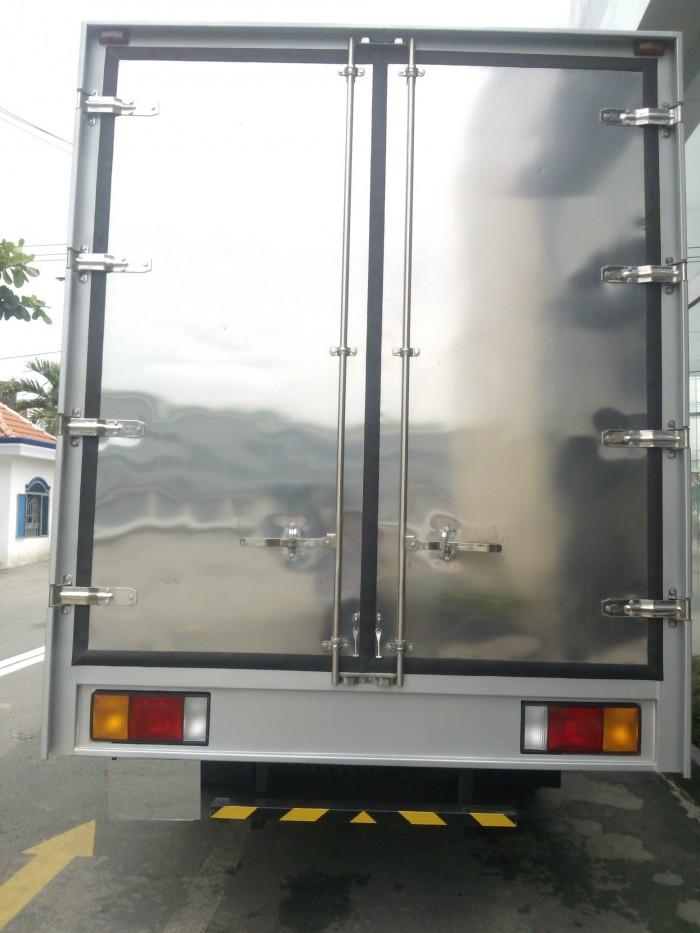 Hyundai 2.5T thùng kín vào Đô thị 0