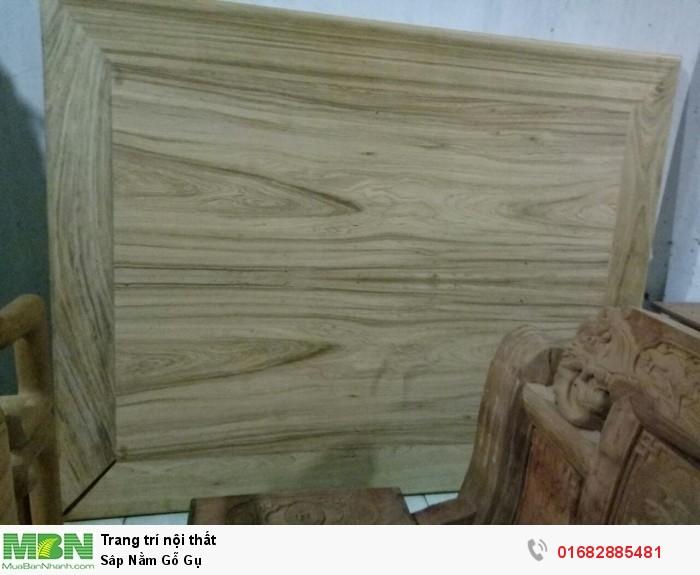 Sập ngồi kiểu trơn và 3 bông gỗ gụ9