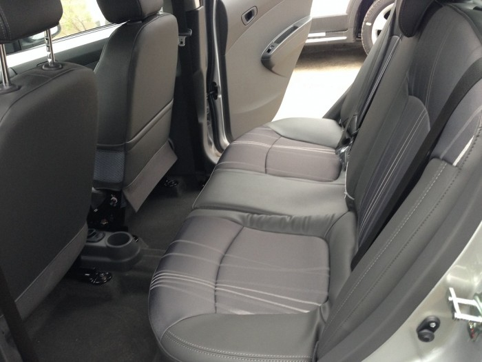 Chevrolet Spark, Giảm 60 triệu, Trả trước 50 triệu 5