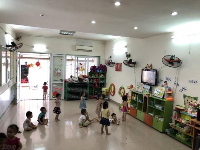Nhà mặt phố Võng Thị 63mX5t, MT 5m