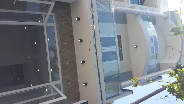 Nhà mới xây,chính chủ ( sổ hồng )
