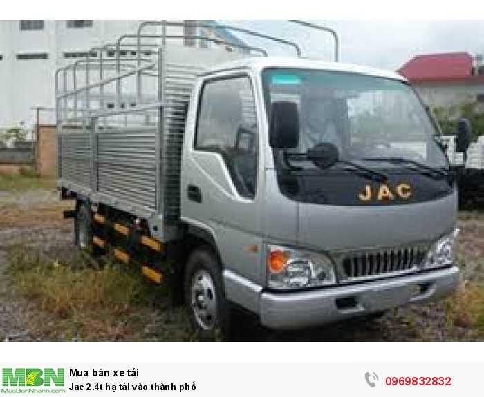 Jac 2.4t hạ tải vào thành phố