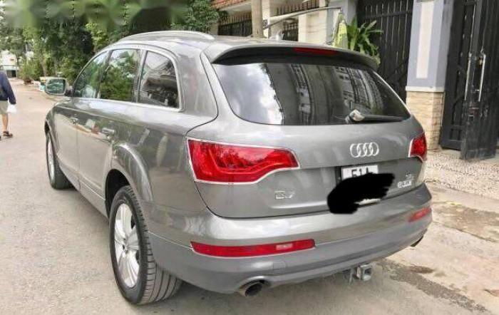 Audi Q7 đời 2008 4 cửa 8 chỗ ngồi