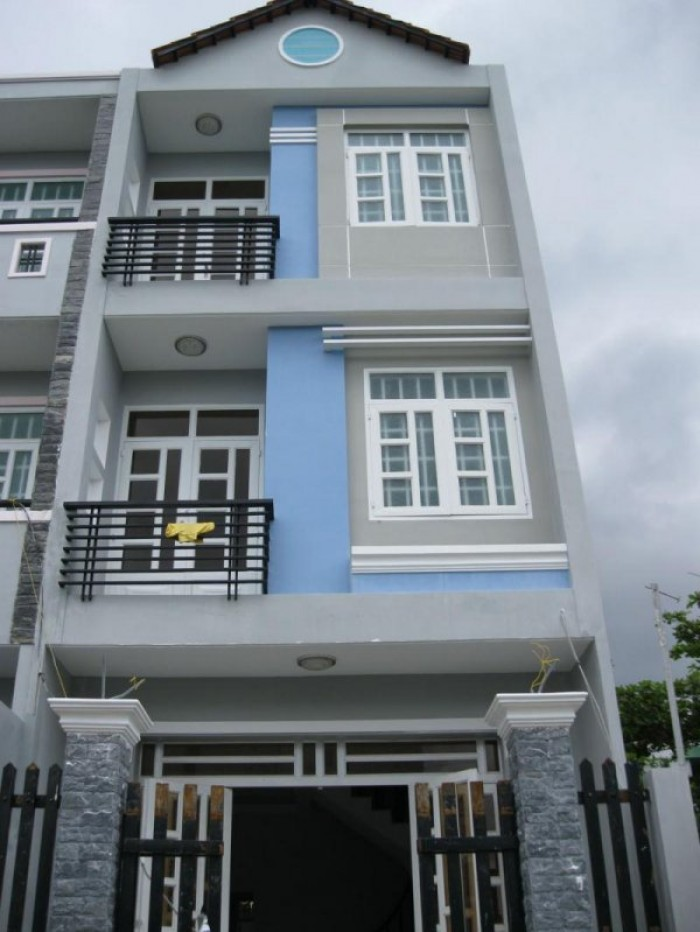 Nhà Phố Mặt Tiền Giá Rẻ Bèo  DT : 100m2 đường Tạ Quang Bửu