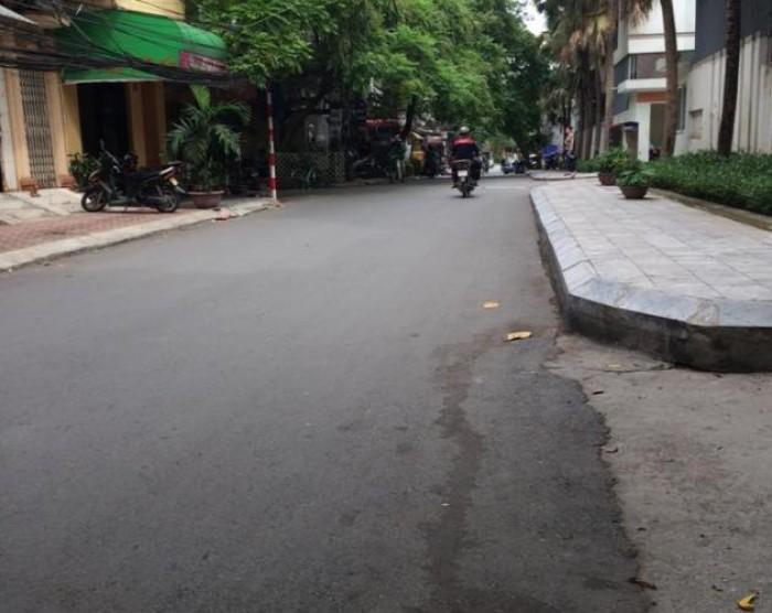 Bán nhà phân lô 5 tầng phố Văn Cao Ba Đình, ô tô đổ cửa 54m2