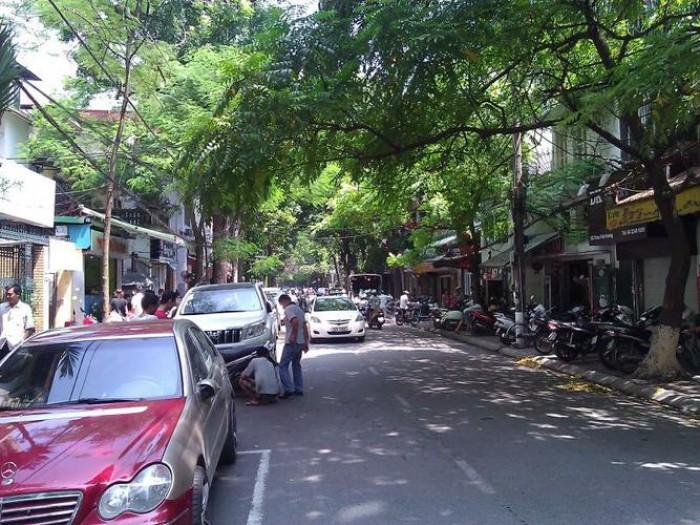 Bán nhà mặt phố Thi Sách,HBT,HN: Dt40m2x4T, Mt4m, giá 18.9 tỷ
