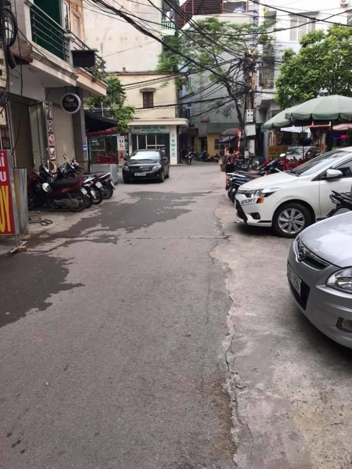 Bán khuôn đất phố Hoàng Ngân dt 50m2 mt 5m ô tô đỗ cửa