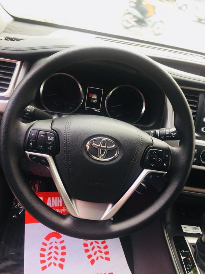 Toyota Highlander 2017 LE màu nâu sậm, xe mới 100%. 6