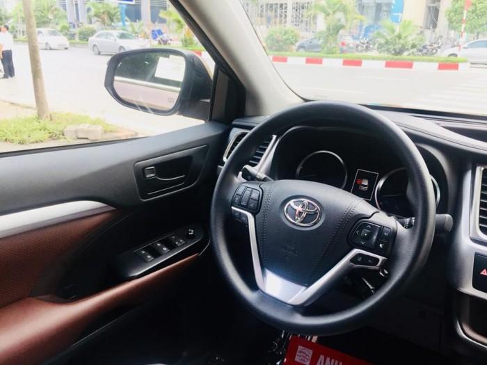 Toyota Highlander 2017 LE màu nâu sậm, xe mới 100%. 13