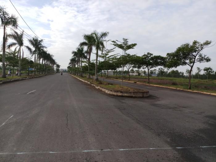 Cần bán đất ngay mặt tiền tỉnh lộ 8 với giá 495tr/nền.