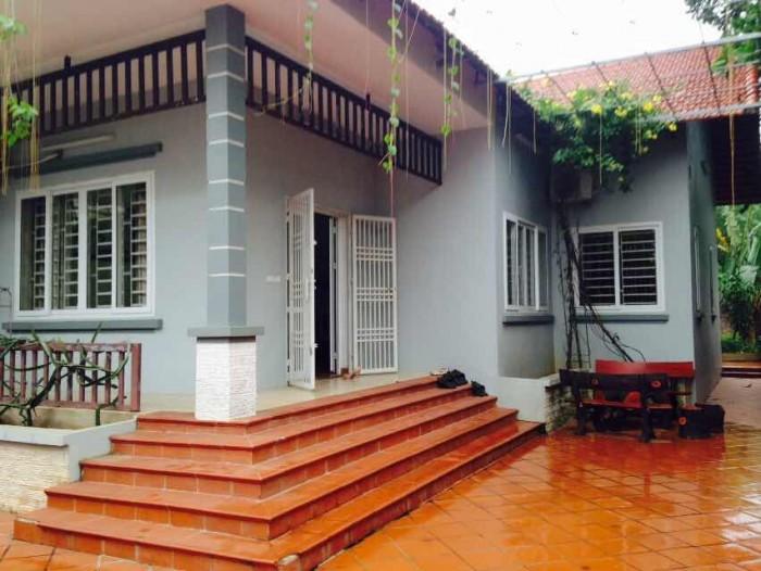 Nhà 250m2 cách đường Nguyễn Văn Bứa 300m