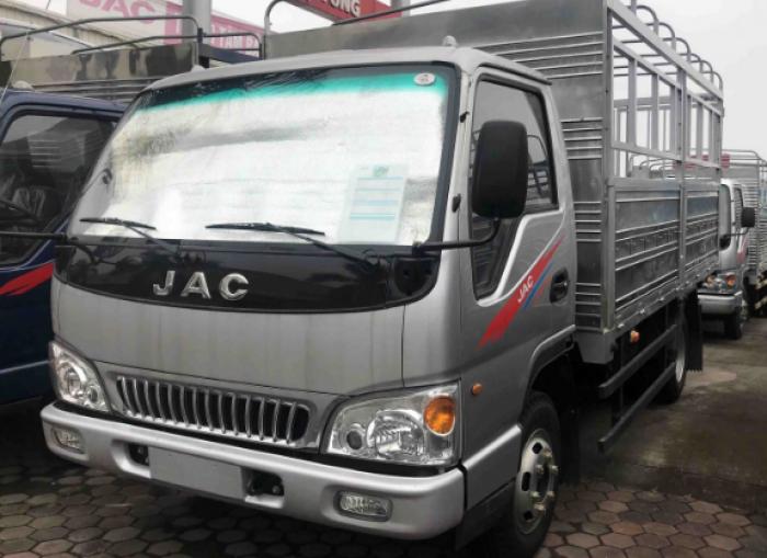 Mua xe tải Jac 4t95 tặng 100 lít dầu, thay nhớt miễn phí, thủ tục trả góp nhanh gọn giao xe ngay