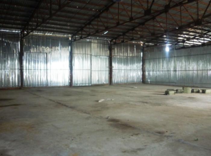 Cần bán kho xưởng DT 892m2 có 297m2 Thổ cư SHR KP2 TT Tân Túc Huyện Bình Chánh